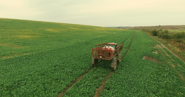 Download Tractor Spray Fertilize Field nulled download