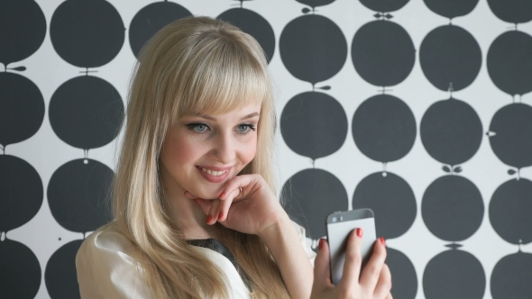 Download Attractive Model Girl Making Selfies At The Cafe nulled download