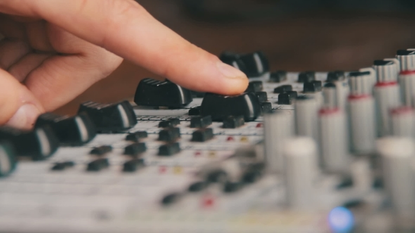 Download Working With Sound Mixing Console nulled download