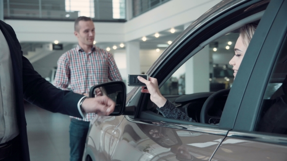 Download Sales Manager Gives The Client The Keys From The Car nulled download