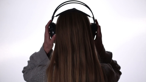 VideoHive Young Woman Relaxing With Music In Headphones 18688303