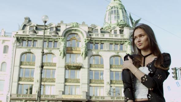 VideoHive Young Beatiful Woman Posing At Beatiful Sight 18763545