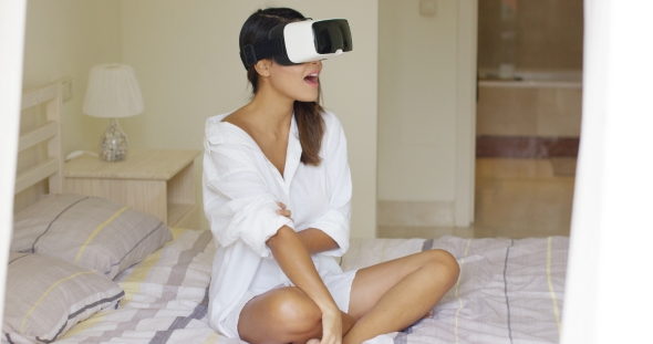 Download Young Woman Wearing Virtual Reality Glasses nulled download