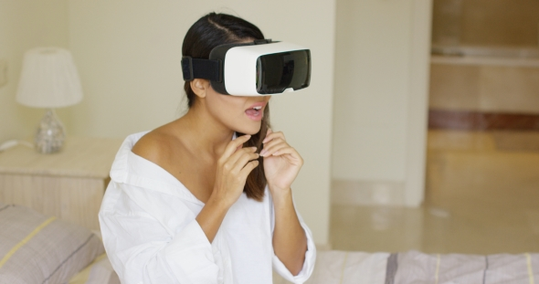 Download Spellbound Woman Wearing Virtual Reality Glasses nulled download