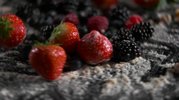 VideoHive Fruit with Sugar Spinning 19004474