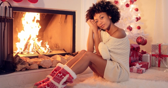 Download Gorgeous Stylish Young Woman Celebrating Christmas nulled download
