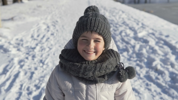 VideoHive Young Girl Portrait in Winter Time 19133986