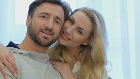 VideoHive Couple Poses at Home 19139770