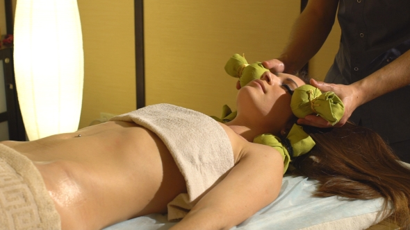 VideoHive Masseur Doing Massage on Woman Body in the Spa Salon 19153233