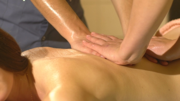 VideoHive Back Massage with Four Hands in Thai Massage 19153320