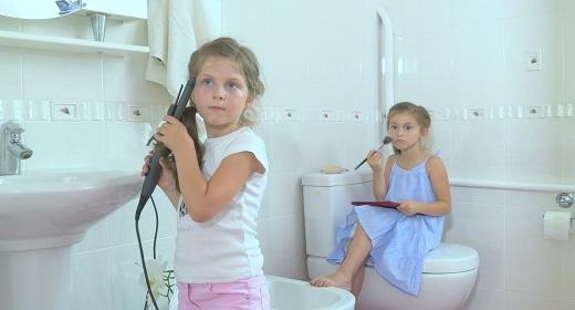 Little girls making beauty
