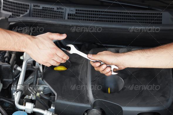 PhotoDune mechanic 269302