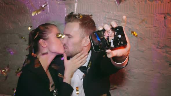 Kissing Selfie - Holidays Arkistofilmit