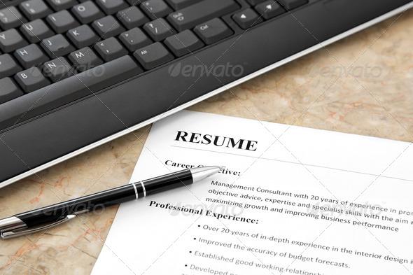 PhotoDune Resume on the Table 2585140