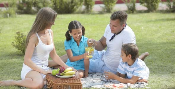 naturist family living