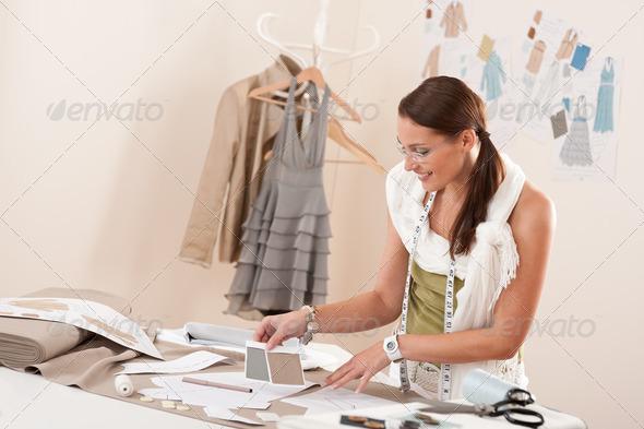 graphic designer working conditions