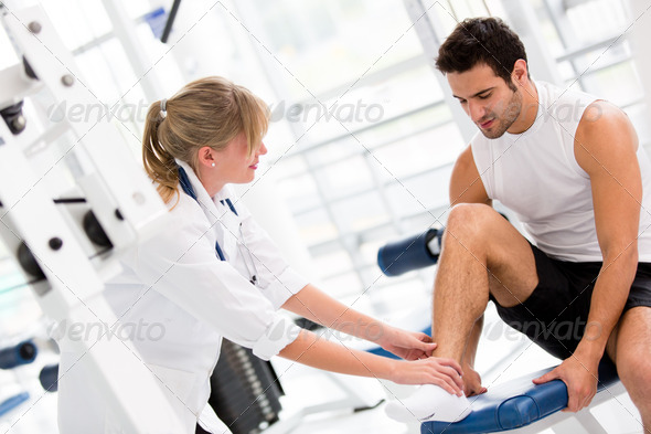 PhotoDune Injured man at the gym 3054391