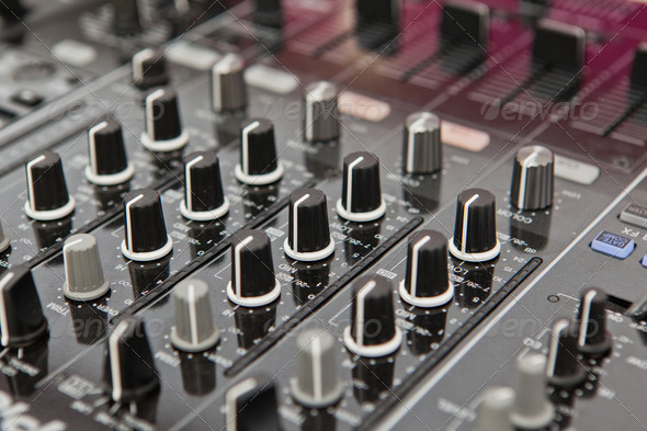 Sound and voice controlling equipment