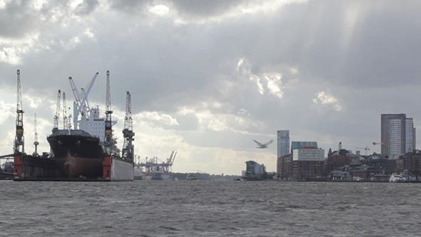 Cargo Ship Time Lapse
