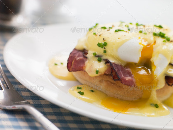 PhotoDune Plate of Eggs Benedict 333807