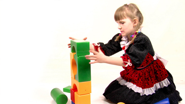 Girl Play With Bricks 5
