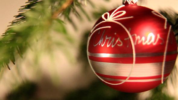 Christmas: Ball 4