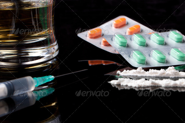 PhotoDune drugs and pills 2140183