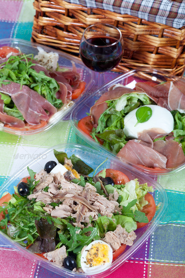 Pic-nic basket and salads - Stock Photo - Images