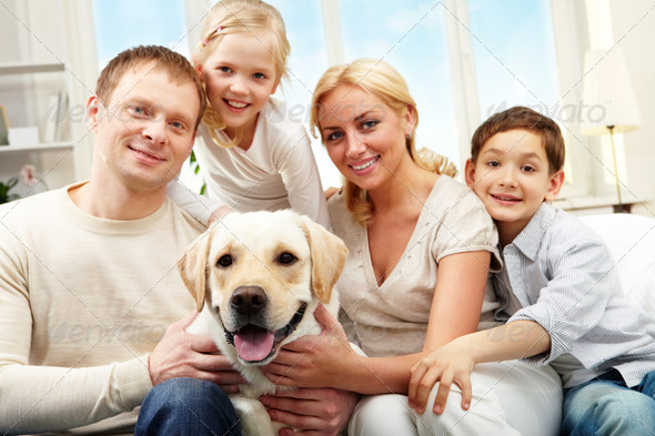 PhotoDune Average family 370616