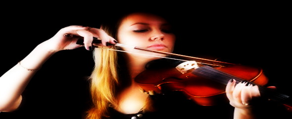 12624466 girl with violin