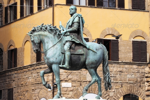 PhotoDune Equestrian statue of Cosimo I in Florence 3692202