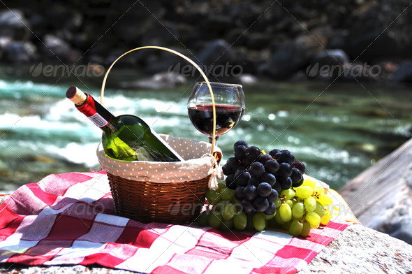 PhotoDune Red wine cheese and grapes served at a picnic Verzasca valley 4001876