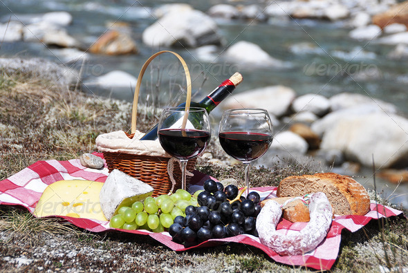PhotoDune Red wine cheese and grapes served at a picnic Verzasca valley 4001883