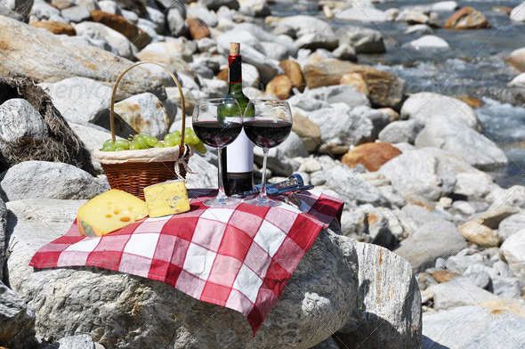 PhotoDune Red wine cheese and grapes served at a picnic Verzasca valley 4001907