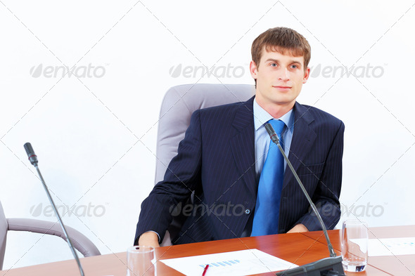 PhotoDune Businessman at meeting 4004892