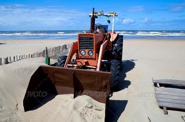 PhotoDune old rusty tractor 4102260
