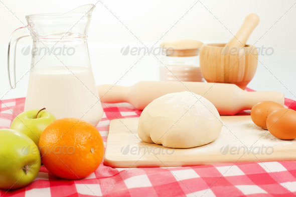 PhotoDune Different products to make bread 4048145
