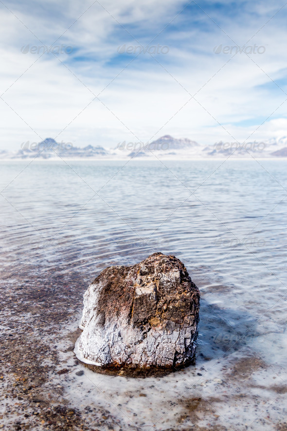 PhotoDune Flooded Bonneville Salt Flats in Utah USA 4071502
