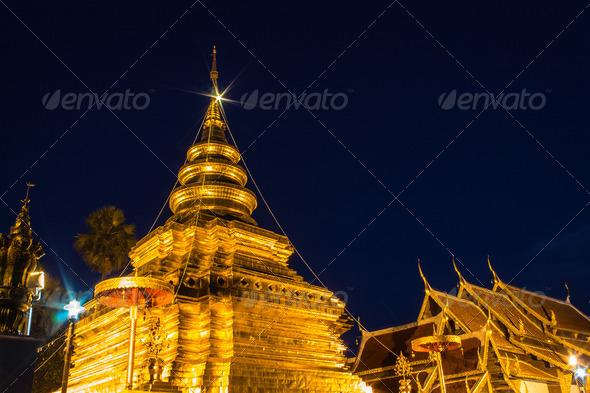 PhotoDune Wat Pra That Chomthong vora vihan Chedi in Thailand 4175613