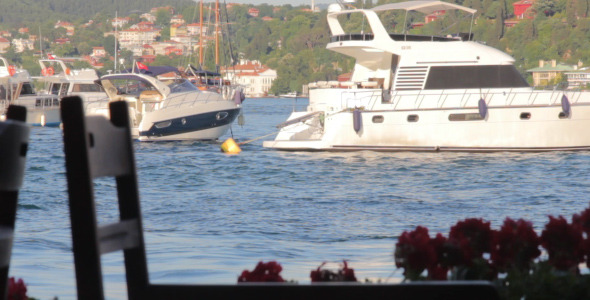 BOSPHORUS & BOATS