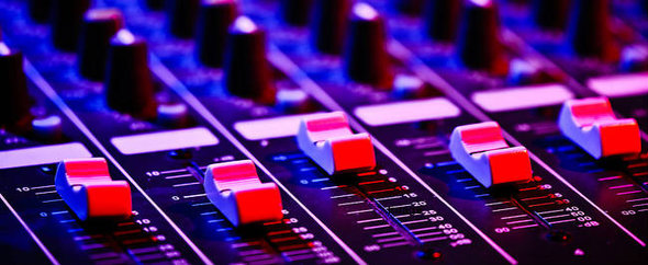 Rsz_mixing_desk