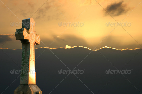 PhotoDune Cross at Sunset 470312