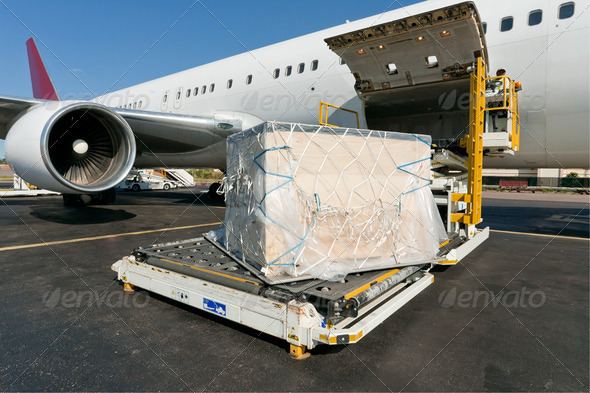 PhotoDune Loading cargo plane 472908