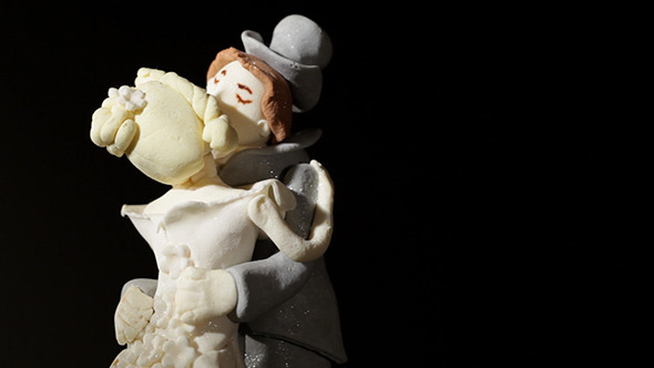 Wedding Cake Figurines Kiss 2
