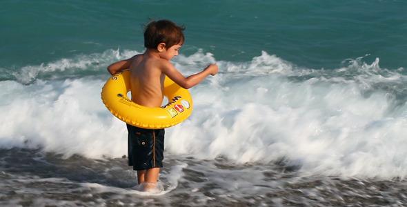 Kid Near the Sea