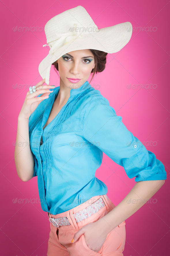 Cute retro summer styled girl with big hat - Stock Photo - Images