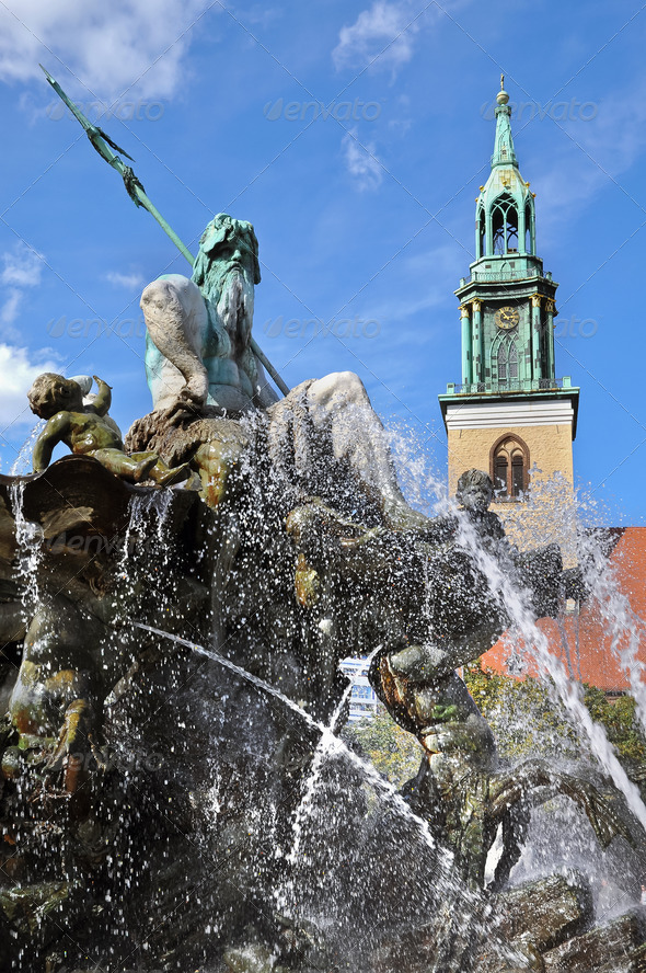 Neptune Fountain and Marienkirche, Berlin