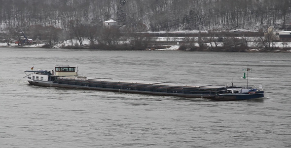 Winter River Traffic 03