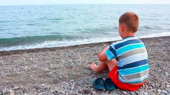 VideoHive Boy On Beach 2 5440078