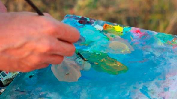 VideoHive Artist Paints Pict 5 5499356